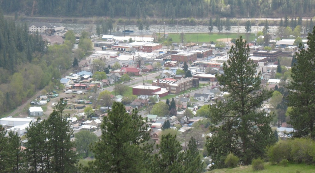 looking_down_on_orofino